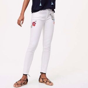 Loft NWOT White Skinny Jeans Floral Embroidered 25